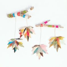 KIDS DIY - Yarn wrapped branch + Painted leaf wall hanging Easy Fall Crafts, Fall Crafts For Kids, Diy For Kids, Kids Crafts, Arts And Crafts, Paper Crafts, Mobiles Art, Nature Collage, Montessori Art