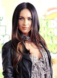 Find images and videos about hair and megan fox on We Heart It - the app to get lost in what you love. Belle Nana, Sublime Creature, Megan Denise Fox, Corte Y Color, Le Jolie, Brunette Hair, Hair Day, Beautiful Celebrities, Dark Hair