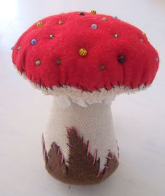 Fall Projects, Diy Sewing Projects, Cool Diy Projects, Sewing Crafts, Mushroom Crafts, Mushroom Art, Fall Crafts, Christmas Crafts, Red And White Mushroom