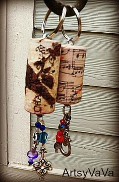 Cork Key Chains - pick up corks and jewelry to refashion at the Kauai Humane Society Thrift Store!