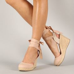20 Chic Wedges For Your Wedding Day via Brit + Co. Wedding Wedges, Wedding Shoes, Pretty Shoes, Beautiful Shoes, Brown Wedges Outfit, Espadrilles, Brit, Closed Toe Shoes, Custom Shoes