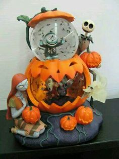 nightmare before christmas snowglobe halloween christmas christmas snow globes happy halloween halloween - Nightmare Before Christmas Snow Globes