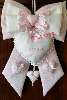 Welcome Baby, Baby Bows, Diy And Crafts, Projects To Try, Gift Wrapping, Rose, Design, Door Hangings, Wreaths