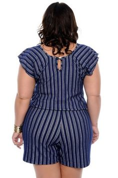 Shorts Outfits Women, Short Outfits, Cool Outfits, Fashion Outfits, Womens Fashion, Curvy Fashion, Plus Size Fashion, English Dress, Curvy Girl Outfits
