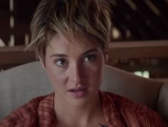 Shailene Woodley with various styles of short hair my favourite look for her is the one she had in Insurgent suits her so well shailenewoodley badassgirl badasswomen pixiecut shorthairstyles divergent insurgent allegiant adriftmovie thefaultinourstars Short Pixie Haircuts, Short Hair Cuts, Short Hair Styles, Pixie Cuts, Funky Hairstyles, Short Hairstyles For Women, Shailene Woodley Haircut, Hair Fixing, Insurgent