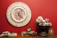 """Orologio decorato e intarsiato rosa - """"Le Meraviglie della Pietra"""" - Castrignano dei Greci (Lecce) http://www.lemeravigliedellapietra.com/orologiosette.htm"""