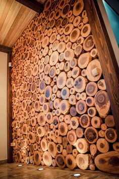 14 Interior Design Ideas Using Wood - Local Home US - Home Improvement Deco Restaurant, Into The Woods, Wood Interiors, Wood Slab, Wood Slices, Wooden Walls, Wood Design, Design Design, Wood Wall Art
