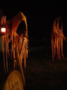 pinner says:Grim Hollow Haunts...click for photos of one of the best yard haunts I've ever seen. (from 2008)
