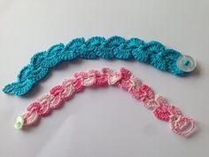 How To Crochet a Pretty Summer Flower Bracelet - DIY Style Tutorial - Guidecentral - YouTube