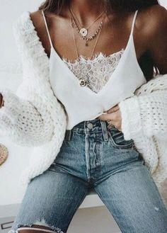 White chunky cardigan Perfeito e casual moda denim a preferência das Nantes do jeans perfeito