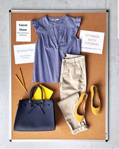 Yes to this chambray top and khakis. 😍