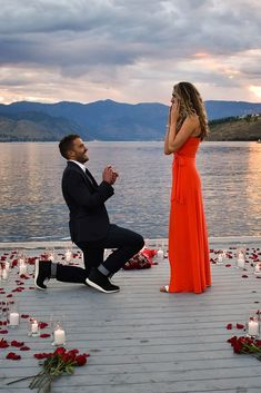 Unique proposal ideas include so many different ways for pop the question! You can choose one and only idea for you. It depends of what couple you are. Cute Proposal Ideas, Proposal Pictures, Beach Proposal, Romantic Proposal, Perfect Proposal, Romantic Beach, Romantic Weddings, Engagement Proposal Ideas, Wedding Pictures