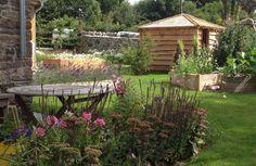 Garden Design Images, Outdoor Furniture Sets, Outdoor Decor, Cabin, House Styles, Gardens, Home Decor, Homemade Home Decor, Garden