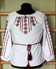 New Women's Ukrainian Folk Red Black Embroidery White SHIRT Satin Rastyer Gift M #HandMade #Pesant #Clubwear