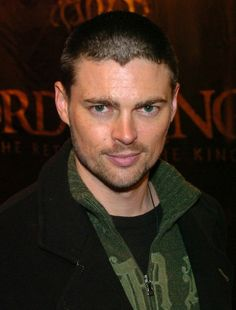 1000 images about my fangirl moments on pinterest karl urban grimm and grimm monroe. Black Bedroom Furniture Sets. Home Design Ideas