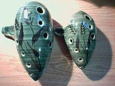 A ocarina é um instrumento antigo. O primeiro instrumento conhecido como ocarina apareceu a cerca de 12 mil anos atrás. As origens da ocarina pode ser traçada de volta para muitas culturas diferentes.