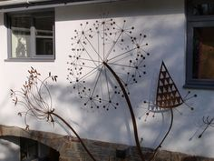 metal sculpture for home and garden commissions undertaken - Wall Mounted Sculptures Garden Wall Art, Diy Garden, Garden Crafts, Garden Projects, Home And Garden, Metal Yard Art, Metal Art, Outdoor Art, Outdoor Walls
