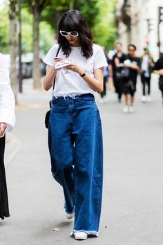 A simple T-shirt can complete your outfit.