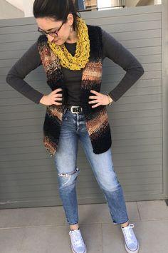 PATRÓN CHALECOT Crochet, Fashion, Red Dots, Crochet Hooks, Sweater Vests, Moda, Fashion Styles, Ganchillo, Crocheting