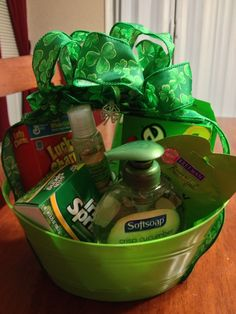 Patrick's day little gifts for secret pal! St Pattys, St Patricks Day, Saint Patricks, Secret Sister Gifts, Diy Gift Baskets, St Patrick's Day Gifts, Simple Gifts, Homemade Gifts, Diy Gifts