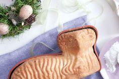 Šlehačkový beránek   Apetitonline.cz Deserts, Cooking Recipes, Easter, Baking, Christmas Ornaments, Sweet, Central Europe, Food, Drink