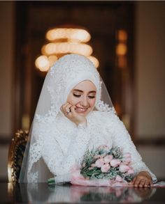 Fashion Hijab Wedding: Unsere beste Auswahl für den Tag J Hijab M Hijabi Wedding, Muslimah Wedding Dress, Hijab Style Dress, Muslim Wedding Dresses, Muslim Brides, Muslim Dress, Bridal Dresses, Hijab Chic, Muslim Girls
