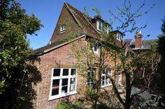 Ash nr Aldershot/Guildford £425.000