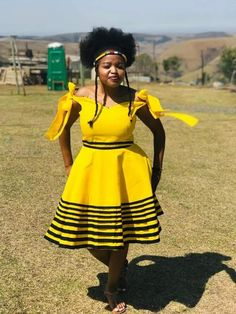 African Outfits, African Dress, African Fashion, African Traditional Wear, Traditional Dresses, Xhosa Attire, Good Morning Beautiful Pictures, Shweshwe Dresses, African Beauty