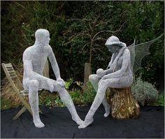 Statues de grillage