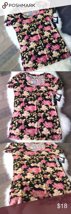 Urban Outfitters Floral Fitted Tee! Brand new with tags! Urban Outfitters brand BDG floral fitted t-shirt. Soft and comfy! 💕 Size medium. Urban Outfitters Tops Tees - Short Sleeve