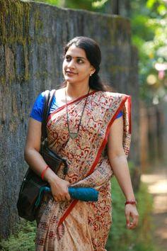 Beautiful Girl In India, Beautiful Women Over 40, Beautiful Saree, Cute Beauty, Beauty Full Girl, Beauty Women, Indian Natural Beauty, Indian Beauty Saree, Indian Sarees