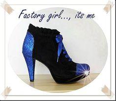 De Tacones y Bolsos: os presentamos la colección Factory Girl de Andrea Milián para este otoño-invierno.