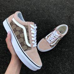 Vans Shoes Fashion, Vans Shoes Women, Custom Vans Shoes, Gucci Shoes Sneakers, Hype Shoes, Girls Sneakers, Girls Shoes, Vans Men, Cute Vans