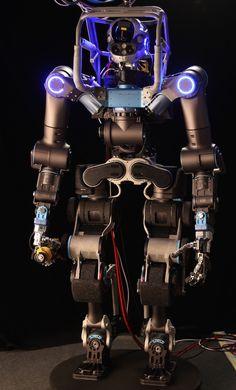 WALK-MAN Team Built Brand New, Highly Custom Robot for DRC Finals [The Future of Robotics: http://futuristicnews.com/category/future-robots/ DARPA: http://futuristicnews.com/tag/darpa/]