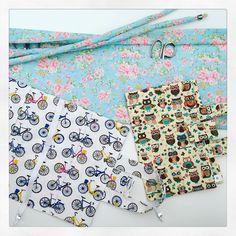 Encomendas seguindo: estojo porta tesouras e capas porta livro! #FashionArts #artesanatosdamoda #floral #corujinhas #bicicletas