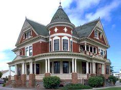 Tuttle House  Watsonville, CA1899  Queen Anne  http://faculty.wcas.northwestern.edu/~infocom/scndempr/bedbreak/west.html