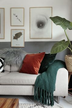 A look inside a house in Eindhoven Small Living Room Design, Living Room Grey, Living Room Interior, Living Room Designs, Living Room Decor, Bedroom Decor, Eindhoven, Diy Bed Frame, Houses