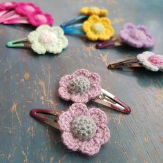 Spinka z szydełkowym kwiatkiem - Rękodzieła i Handmade od Dieve Handmade Bobby Pins, Crochet Necklace, Hair Accessories, Children, Handmade, Beauty, Jewelry, Young Children, Boys