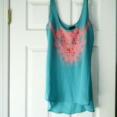 Rue 21 top NWOT OR BEST OFFER Slightly sheer very good condition worn once has no stains Size medium Rue 21 Tops