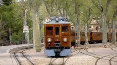 Soller vintage train teams up with UNICEF