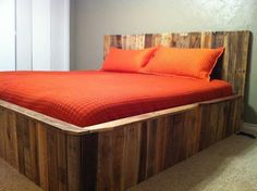 34 DIY Ideas: Best Use of Cheap Pallet Bed Frame Wood - Pallet Furniture.like the shades of wood, but don't want a bed from it.table would be nice Pallet Bedframe, Wooden Pallet Beds, Wooden Pallet Crafts, Diy Pallet Bed, Wood Beds, Wood Pallets, Pallet Projects, Pallet Ideas, Pallet Wood