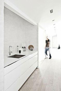 Kvik Mano High-gloss. #verywhite #kitchen #kvik