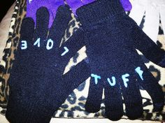DIY knuckle tattoo gloves