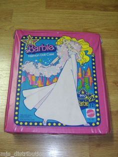 Vintage BARBIE fashion doll carrying case 1977 - I think this is the one I had.
