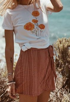 California State Flower Shirt Golden Poppy - Graphic Shirts - Ideas of Graphic Shirts - California Golden Poppy tee State Flower Graphic T-shirt California Outfits, California Fashion, California Style, California Clothes, Cali Style, Tees For Women, Casual Tops For Women, Summer Outfits, Cute Outfits