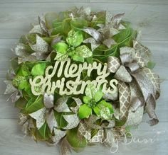 Christmas Wreath, Holiday Wreath,  Gold and Green Christmas, Weinachtskranz by TrendyDecorShop on Etsy