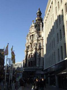 Shopping street the Meir