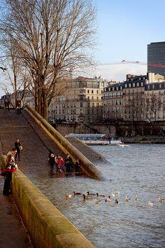 Paris, Quais de Seine by Calinore