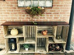 Rustic Farmhouse Crate Bookshelf #BestDIYhomedecor