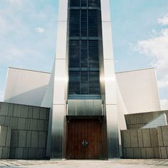 Tokyo, St.Mary's Cathedral, Kenzo Tange (1964) © Vincent Leroux (AD n°106 février-mars 2012)
